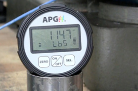 The PG7 digital pressure gauge lets you use custom multipliers for a psi to lbs conversion